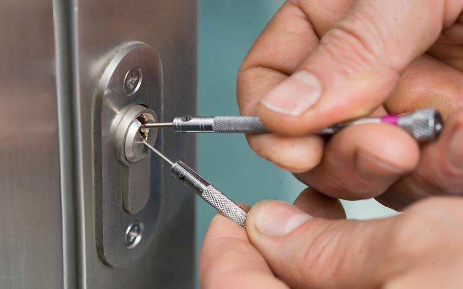Comment ouvrir une porte sans clé ? Notre tutoriel